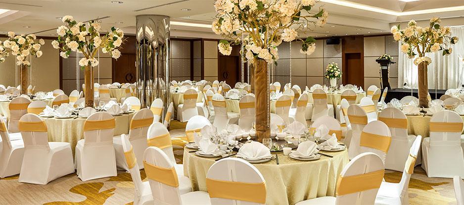 Wedding Hall Setup to a White and Orange Theme